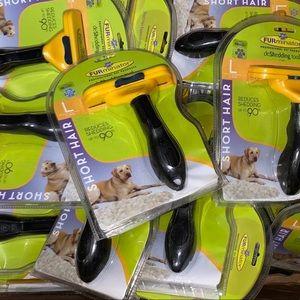 FURminator Deshedding Dog Tool / Short Hair / NEW